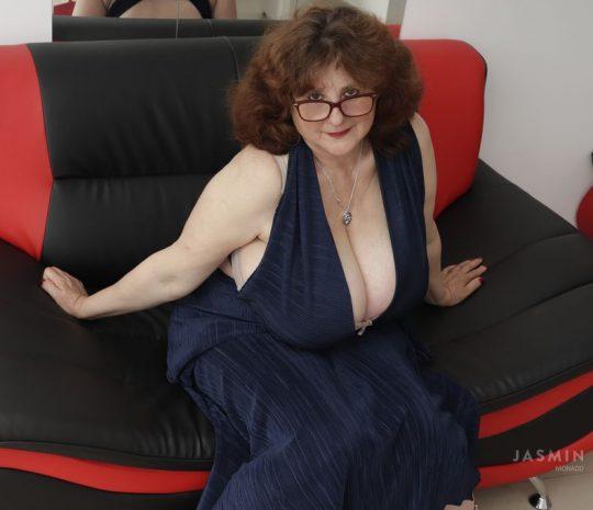 Big Beautiful Woman MonaDD